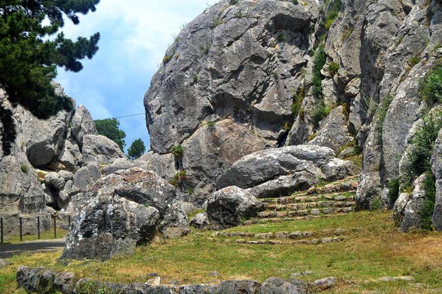Çorum Yazılıkaya açık hava tapınağı fotoğrafları - Yazilikaya Hittite open air temple photos Turkey