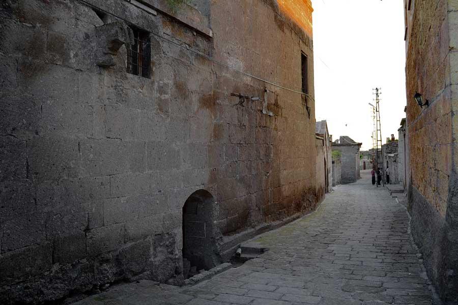 İç Anadolu bölgesi Güzelyurt fotoğrafları tarihi taş evler, Aksaray - Guzelyurt streeets and historic stone houses, Guzelyurt photos