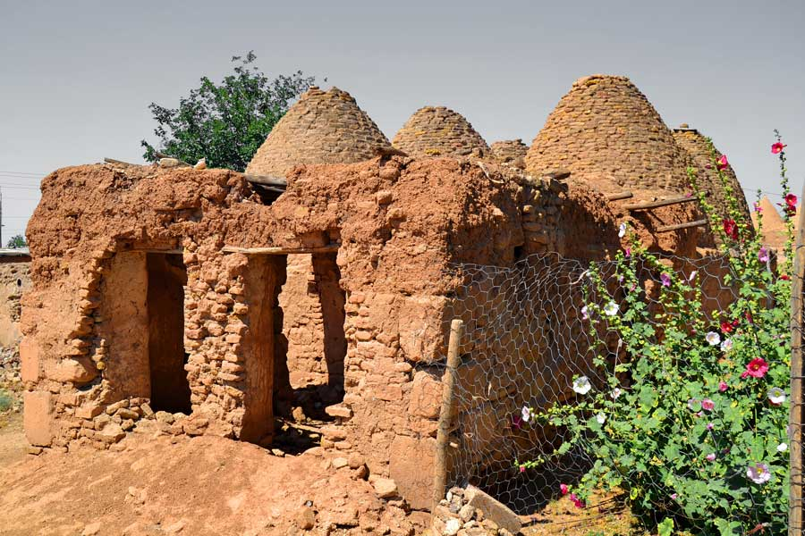 Şanlıurfa Harran konik kubbeli evleri, Harran fotoğrafları - Harran is famous for its traditional 'beehive' adobe houses, Harran Southeastern Anatolia Region photos