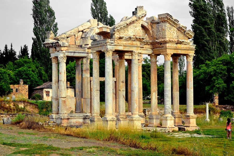 Afrodisias antik kenti Tetrapylon fotoğrafları - Tetrapylon, Aphrodisias photos