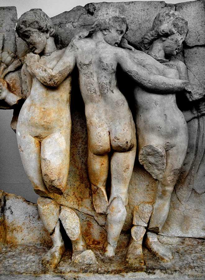 Afrodisias antik kenti müzesi üç güzeller heykeli, Afrodisias fotoğrafları - statue of three beauties Aphrodisias Museum photos