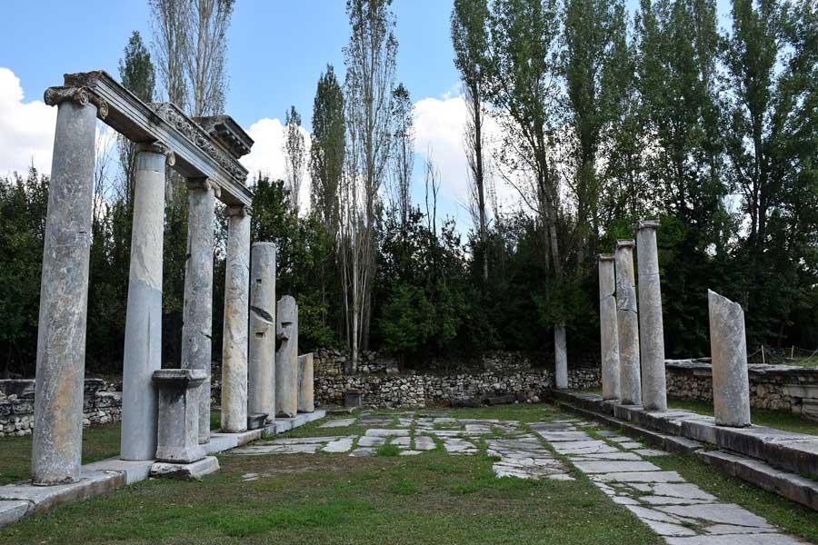 Aizanoi antik kenti Sütunlu cadde, Çavdarhisar Kütahya - Aizanoi ancient city The Columned streeet, Turkey