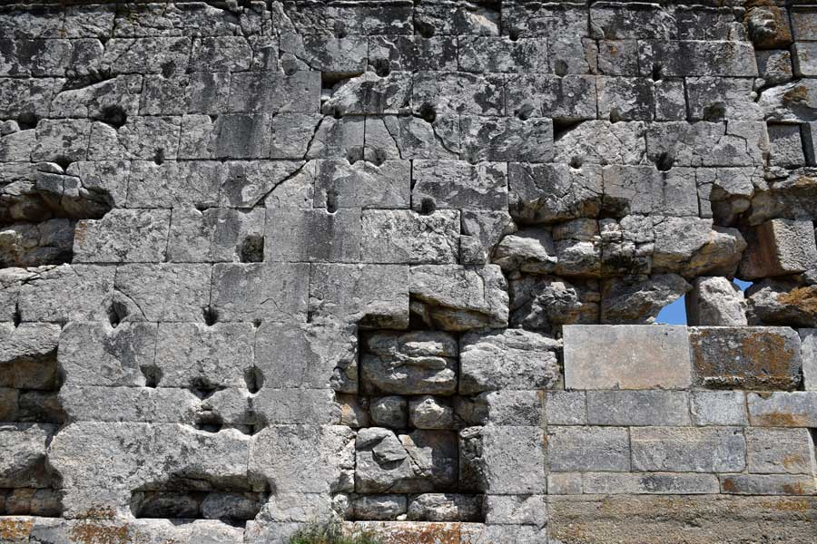 Aizanoi antik kenti Zeus tapınağı duvarı Çavdarhisar Kütahya - Aizanoi ancient city the wall of Zues temple, Turkey