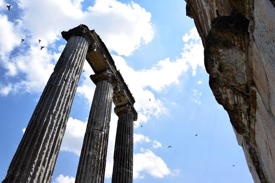 Aizanoi Antik Kenti Zeus Tapınağı ve Anadolu'nun İlk Borsası