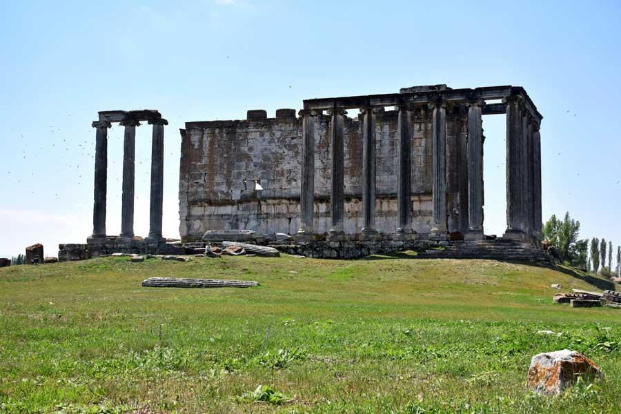 Aizanoi antik kenti fotoğrafları Zeus tapınağı, Çavdarhisar Kütahya - Aizanoi ancient city Zeus temple, Turkey