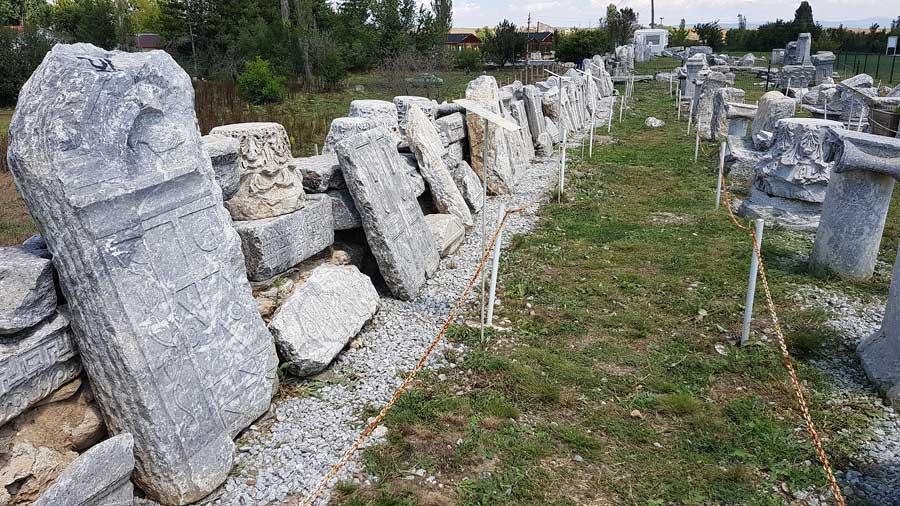 Aizanoi antik kenti tatihi eser kalıntıları Çavdarhisar Kütahya - Aizanoi ancient city ruins of historical structures, Turkey