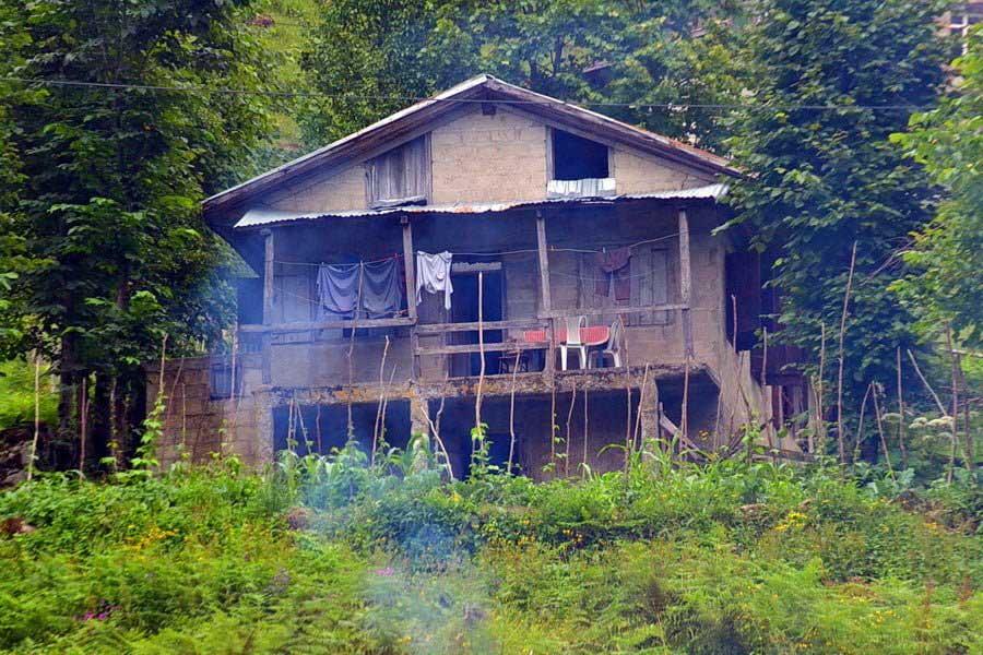 Ayder yaylası içerisinde bir ev, Ayder Yaylası fotoğrafları - Ayder Plateau photos