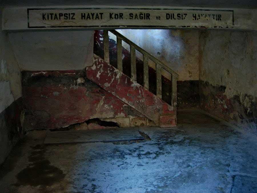 Bakımsız kalan Tarihi Sinop Cezaevi fotoğrafları - life without books, Sinop Historical Prison Photos
