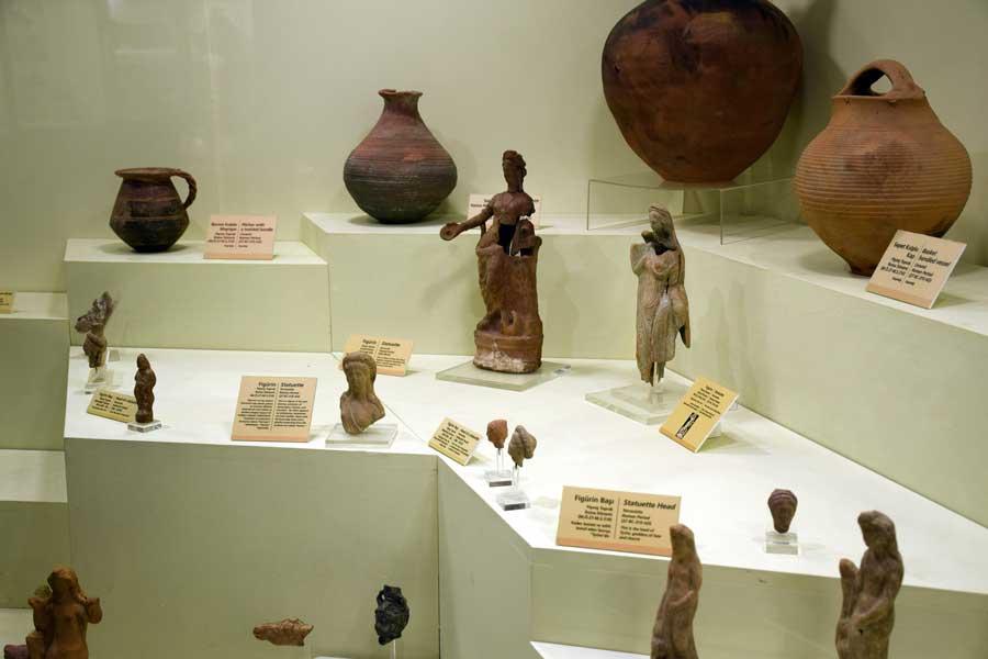 Bandırma Arkeoloji Müzesi Roma dönemi figürinleri - Bandirma Archaeological Museum Figurins of Roman Period, Turkey