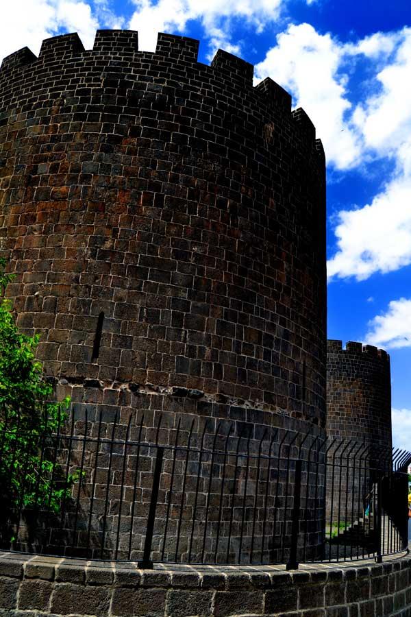 Diyarbakır Kalesi fotoğrafları - Southeastern Anatolia Diyarbakir Fortress towers photos