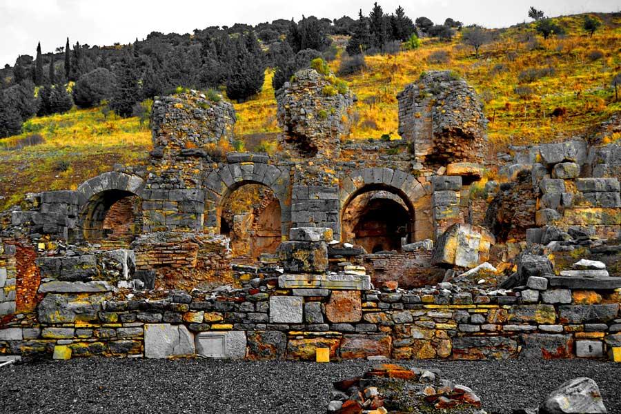 Efes antik kenti Verulanus meydanı ve büyük hamamı, Efes fotoğrafları - square of Verulanus and great baths, Ephesus photos