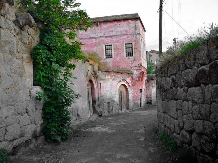 Güzelyurt fotoğrafları tarihi taş evler Aksaray - Guzelyurt streeets and historic stone houses Guzelyurt photos