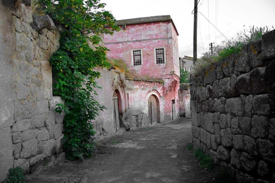 Güzelyurt Gelveri Evleri ve İç Anadolu Hasandağı Manzarası