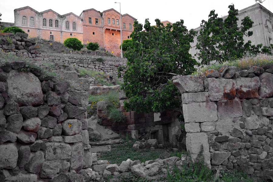 Güzelyurt fotoğrafları tarihi taş evler Orta Anadolu Aksaray - Guzelyurt streeets and historic stone houses, Guzelyurt photos