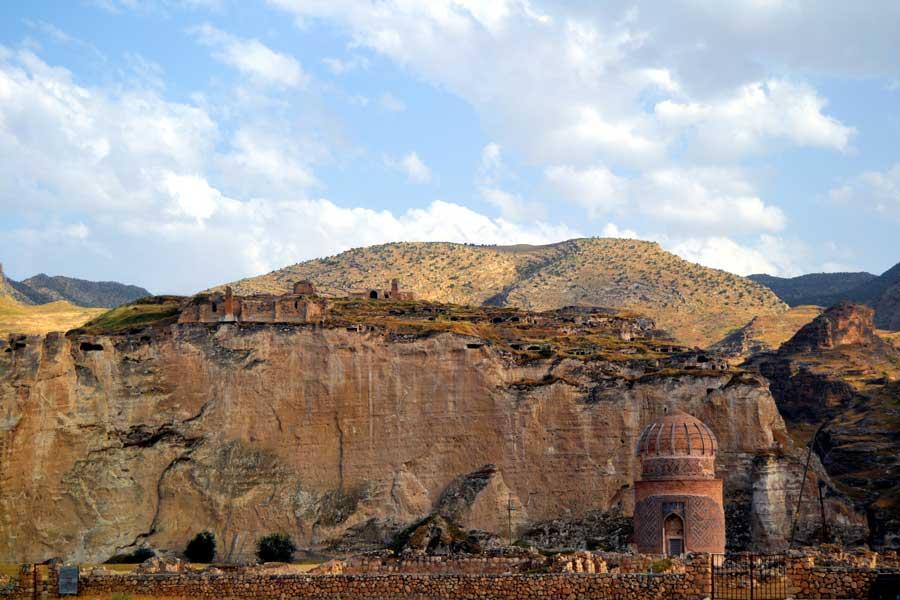 Hasankeyf fotoğrafları görülmesi gereken yerler Zeynel Bey Türbesi Güneydoğu Anadolu - Zeynel Bey Tomb, Hasankeyf photos Southeastern Anatolia region Turkey
