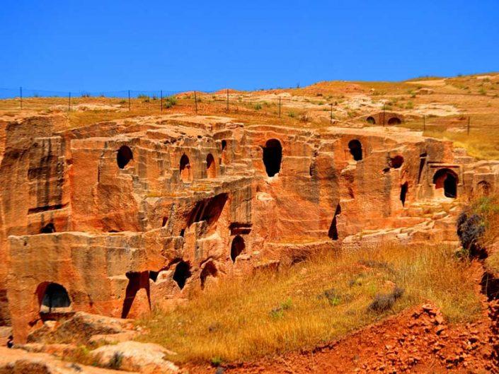 Mardin Dara harabeleri veya Dara antik kenti fotoğrafları - Ancient rock settlements, Mesopotamian Ruins of Dara photos, Southeast Anatolia Region Turkey