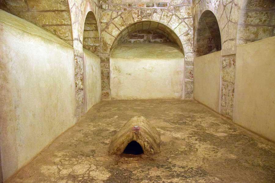 Mor Gabriel Manastırı Azizler Evi Aziz Gabriel mezarı, Midyat - Mor Gabriel Monastery Saints' House, Tomb of Saint Gabriel, Midyat Turkey