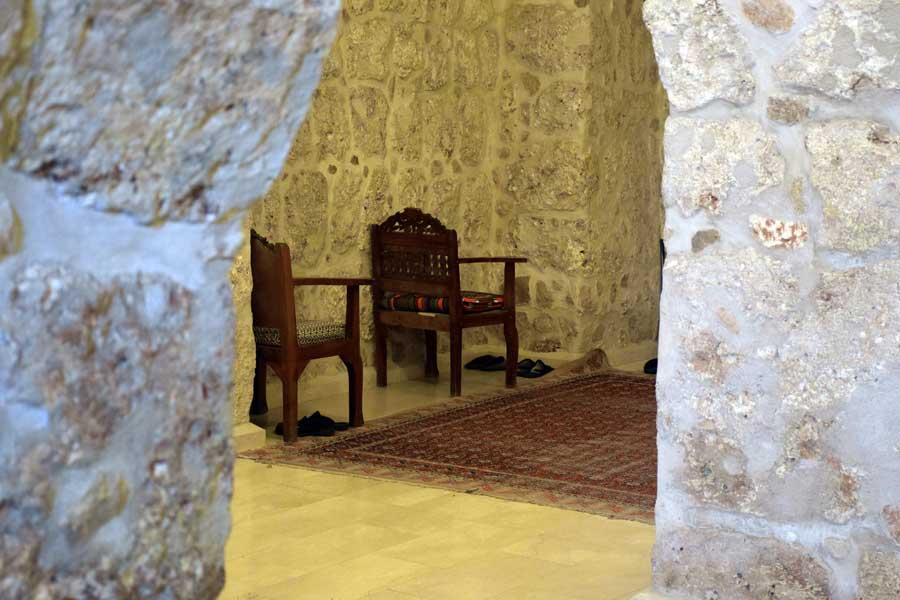 Mor Gabriel Manastırı fotoğrafları Meryem Ana Kilisesi içi, Midyat Türkiye - Mor Gabriel Monastery photos, interior the Church of the Virgin Mary, Mardin Midyat Turkey