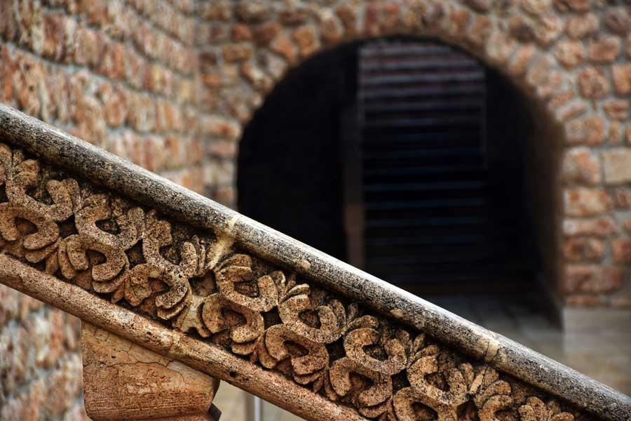 Mor Gabriel Manastırı fotoğrafları taş süslemeleri, Midyat Mardin - Mor Gabriel Monastery photos stone decorations, Midyat Turkey