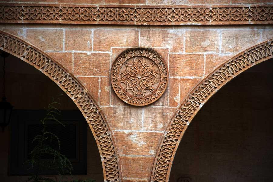 Mor Gabriel Manastırı fotoğrafları taş süslemeleri, Midyat Mardin - Mor Gabriel Monastery photos stone engravings, Midyat Turkey