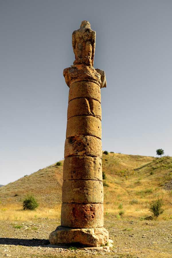 Nemrut Dağı Milli Parkı fotoğrafları Karakuş tepesi Adıyaman - Karakus Tumulus, Mt. Nemrut National Park photos Turkey