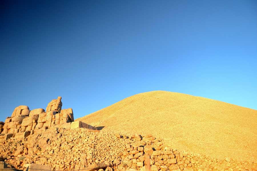 Güneydoğu Anadolu Nemrut Dağı Tümülüsü Adıyaman fotoğrafları - Tumulus of Mt. Nemrut, Mount Nemrut photos