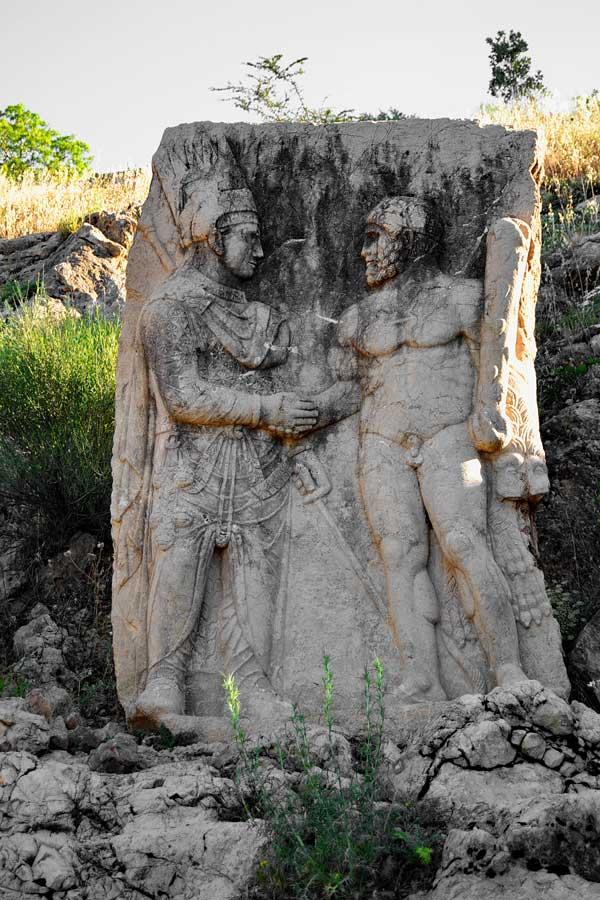Nemrut dağı milli parkı fotoğrafları I. Mitridat'ın Herkül ile el sıkışması, Arsameia - Eski Kale I.Mithridates and Hercules, Arsameia Mount Nemrut Adiyaman