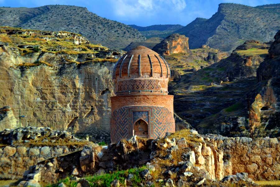 Tarihi Hasankeyf fotoğrafları görülmesi gereken yerler Zeynel Bey Türbesi - Zeynel Bey Tomb, Hasankeyf photos Southeastern Anatolia region Turkey