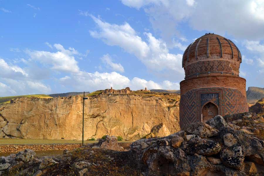Tarihi Hasankeyf fotoğrafları görülmesi gereken yerler Zeynel Bey Türbesi - Zeynel Bey Tomb, Hasankeyf photos Southeastern Anatolia region