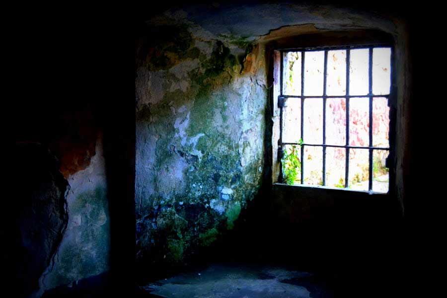 Tarihi Sinop Cezaevi zindanı, Tarihi Sinop Cezaevi fotoğrafları - longing for the sun, Sinop Historical Prison Photos