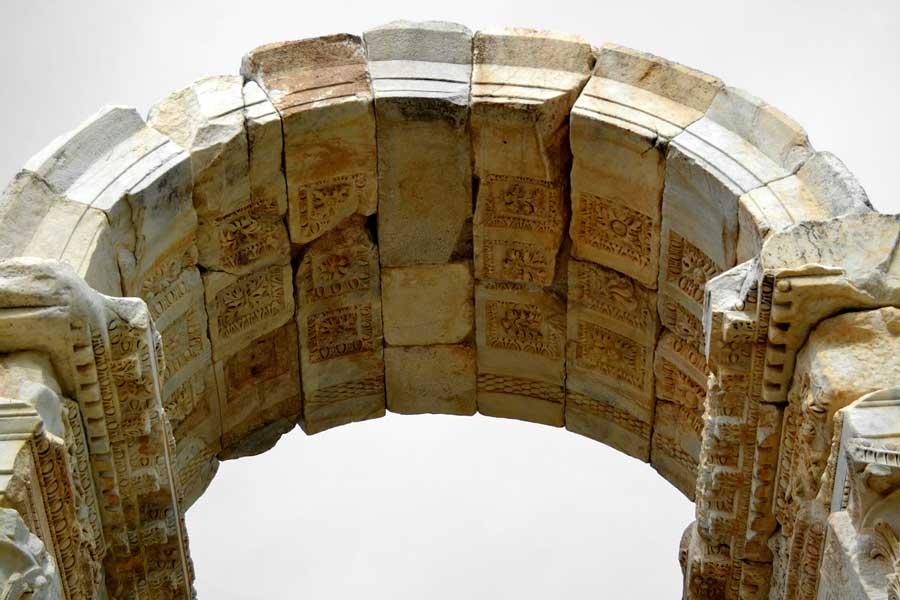 Afrodisias Antik Kenti ve Müzesi: Tapınakları, Sanat Eserleri