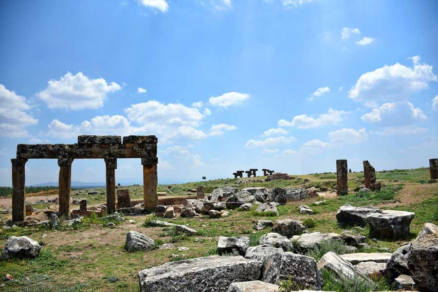 Uşak Blaundus antik kenti kalıntıları fotoğrafları, Ulubey, Uşak - Ruins of the Blaundus ancient city, Turkey