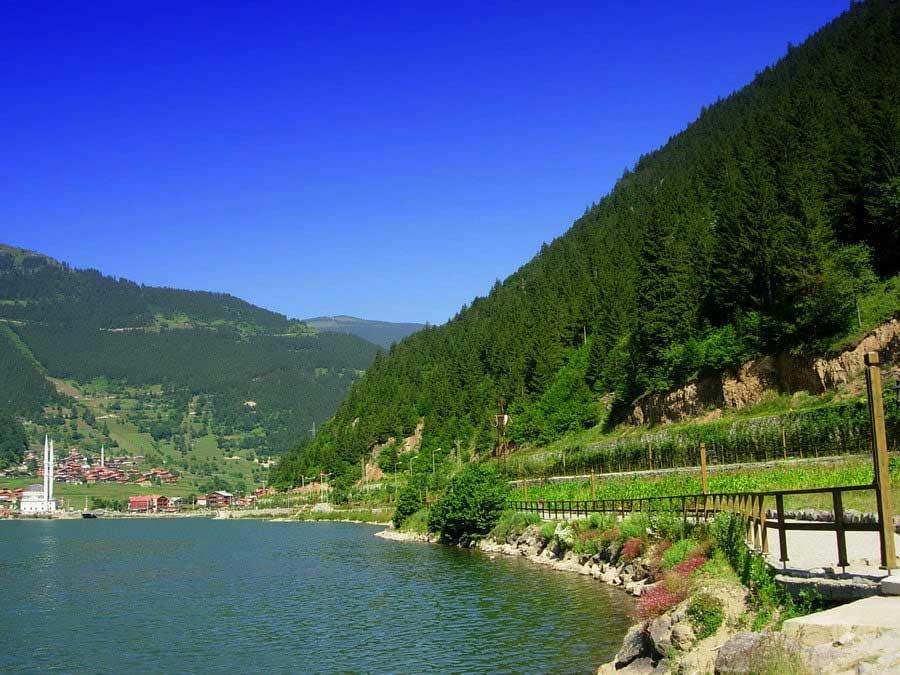 Uzungöl göl kenarı, Uzungöl fotoğrafları - walk along the river, Uzungöl fotoğrafları