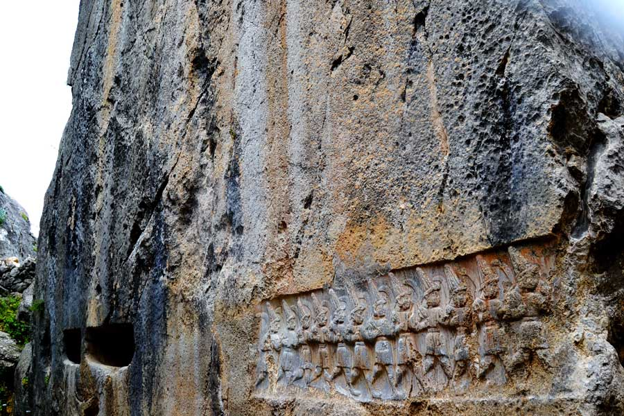 Yazılıkaya fotoğrafları 12 tanrı kabartması Çorum - Yazilikaya 12 god relief Turkey