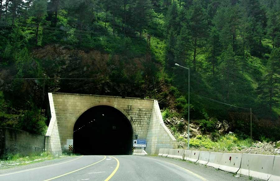 Zigana Tüneli girişi, Zigana geçidi fotoğrafları - enterance of Zigana Tunnel