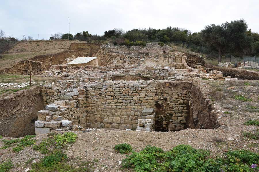 Çanakkale antik kentleri Parion antik kenti fotoğrafları Kemer Biga yamaç evleri ve hamam - sloped building and bath, Parion ancient city photos