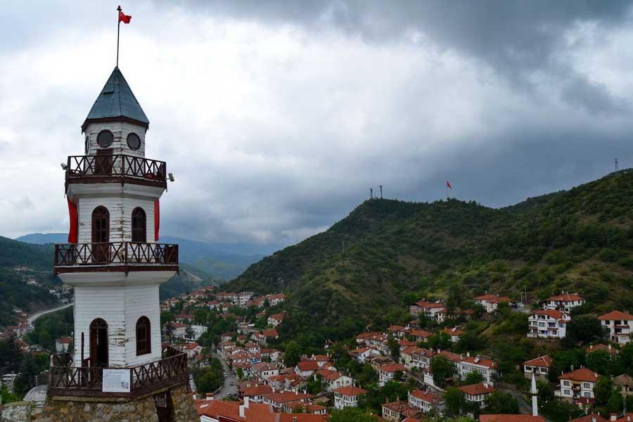 İç Anadolu Güzergahı Göynük'te Türkiye Cumhuriyetinin ilk kulesi - Central Anatolia route first tower of young Turkish Republic