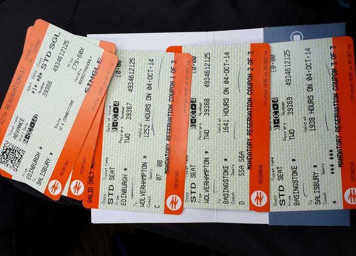 İngiltere güzergahı biletler hazır önce batıya sonra güneye Edinbugh waverley istasyonu - England rout we've got tickets to ride headed to west and south Edinburgh waverley station