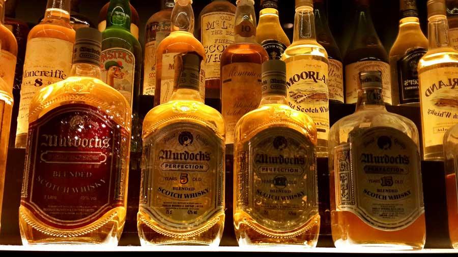 İngiltere güzergahı viski ruhları bu şişelerin içinde yaşıyor iskoç viski deneyimi Edinburgh - spirits of the whiskey living in these bottles scotch whiskey experience Edinburgh