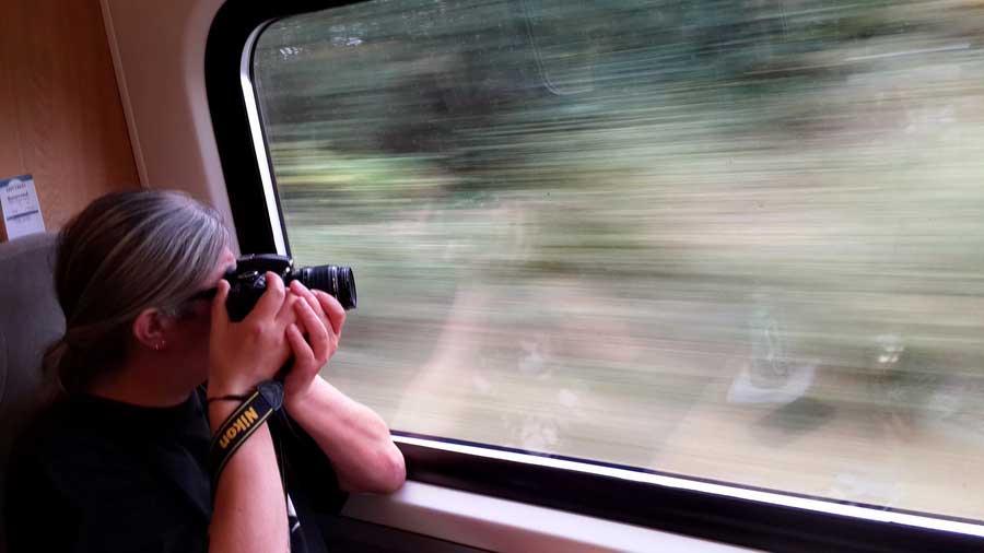 İngiltere rotası pencereden kayan görüntüleri yakalamaya çalışmak East Ooast trenleri Londra'dan Edinburgh'a giderken - England route try to catch the sliding images out the window