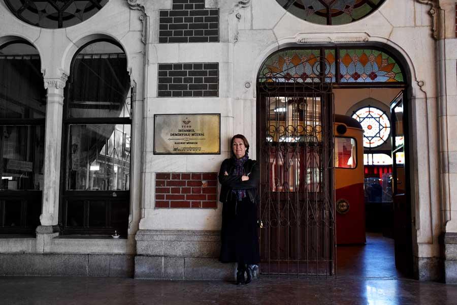 İstanbul Demiryolu Müzesi Müze kurucusu Ruhan Çelebi hanımefendi - Museum founder Mrs. Ruhan Çelebi, Istanbul Railway Museum