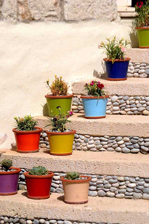 Şirince Denizli güzergahı fotoğrafları merdiven boyu rengarenk mutluluk - Sirince Denizli route photos colorful happiness along the stairs