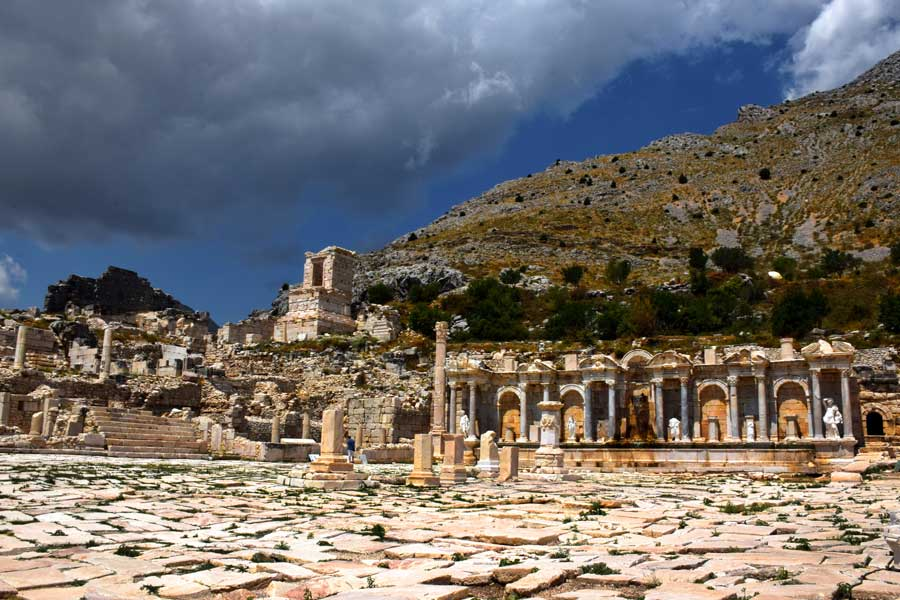 Akdeniz bölgesi antik kentler Sagalassos antik kenti fotoğrafları Antoninler çeşmesi ve yukarı agora, Burdur - Turkey the Mediterranean region Sagalassos ancient city Antonine nymphaeum