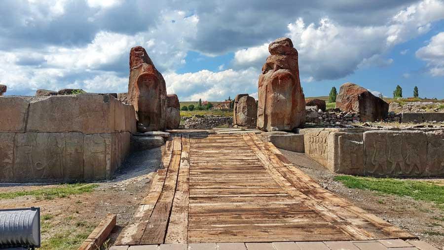 Alacahöyük fotoğrafları, Alacahöyük sfenksli kapı, Çorum - Alacahöyük sphinx gate, Turkey