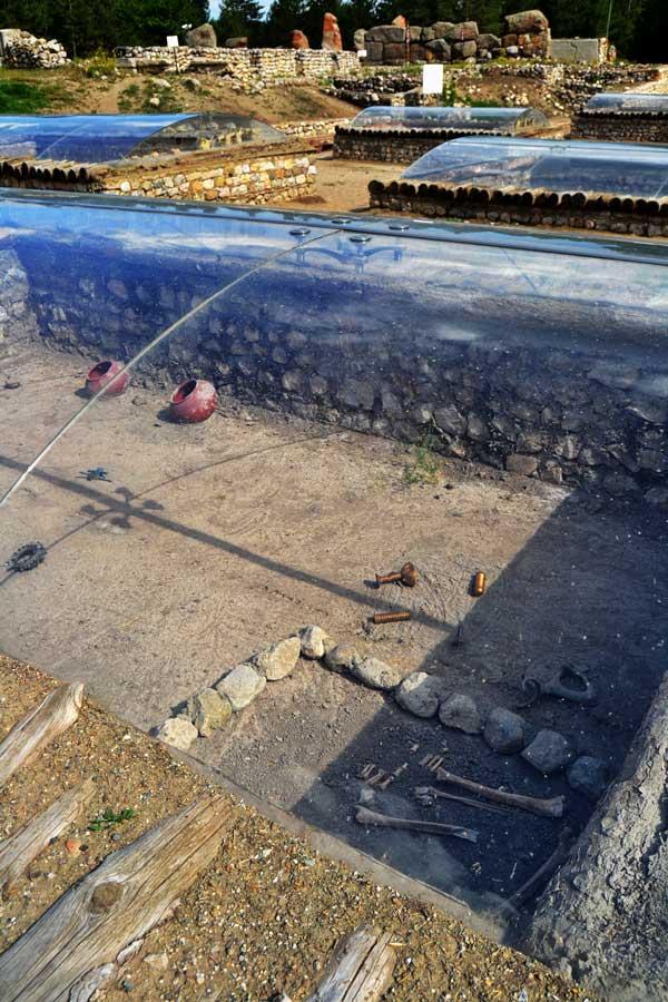Alacahöyük fotoğrafları, Eski Tunç çağı kral mezarları rekonstrüksiyonları, Çorum - Early Bronze age Alacahöyük king graves Turkey