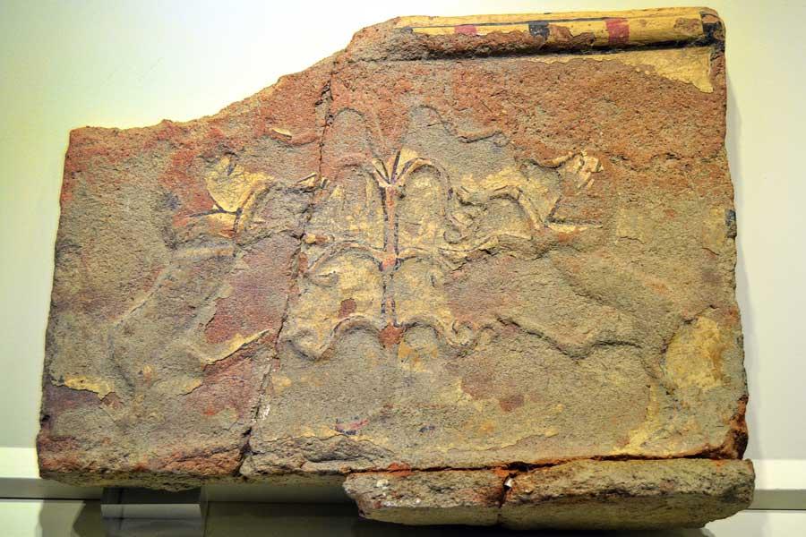 Alacahöyük müzesi eserleri kabartmalı kap parçası, Çorum - Alacahöyük museum ancient monument, relief vessel fragment, Turkey