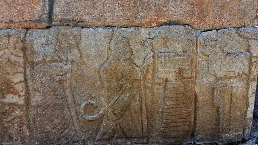 Alacahöyük orthostatları ve kabartmaları Çorum - Alacahöyük orthostats and reliefs, Turkey