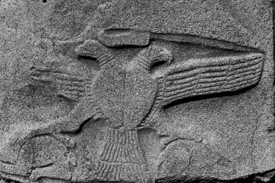 Alacahöyük sfenksli kapıda bulunan sfenks üzerindeki çift başlı kartal kabartması, Çorum - Double headed eagle relief on sphinx at Alacahöyük Sphinx door, Turkey