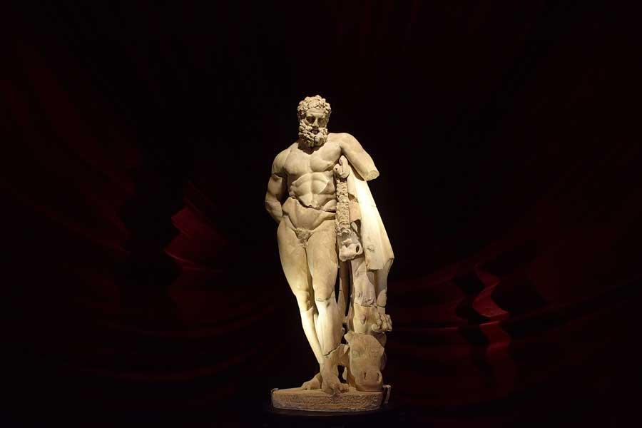 Antalya Müzesi Herakles heykeli (Perge Herakles Farnese'si) Roma dönemi kopyası - Antalya Archaeological Museum Heracles (Hercules) statue Roman period replica