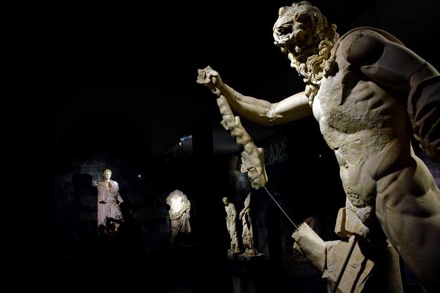 Antalya Müzesi eserleri Perge salonu Marsias heykeli - Antalya Museum photos Perge Hall Marsyas statue, Turkey